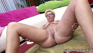 Incredible pornstar Taylor Lynn involving Torrid Mature, Obese Botheration sex movie