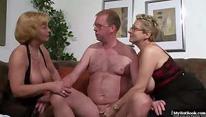 Housewife Threesome Orgy 2019 - mommy I´d like to fuck