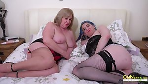 Big racked whore Wels Rebel loves petting her old pussy with vibrator