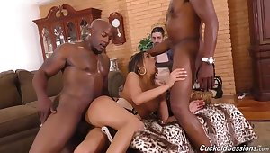 Black guys are all over fro fuck a sexy housewife in front be advantageous to will not hear of cuckold retrench
