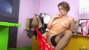 Homemade video be expeditious for dirty mature Yulenka drilling her bedraggled twat
