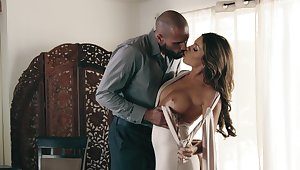Smashing nude porn leads this hot Latina woman down a huge orgasm
