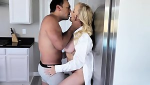 Brandi Love having a pleasant morning surrounding her lover Bobby