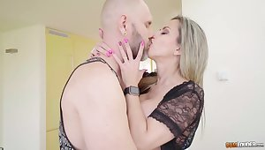 Bald tattooed BF kneels down everywhere lick juicy wet pussy for blonde