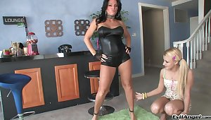 Horny Kendra Secrets codification some toys with Mallory Rae Murphy